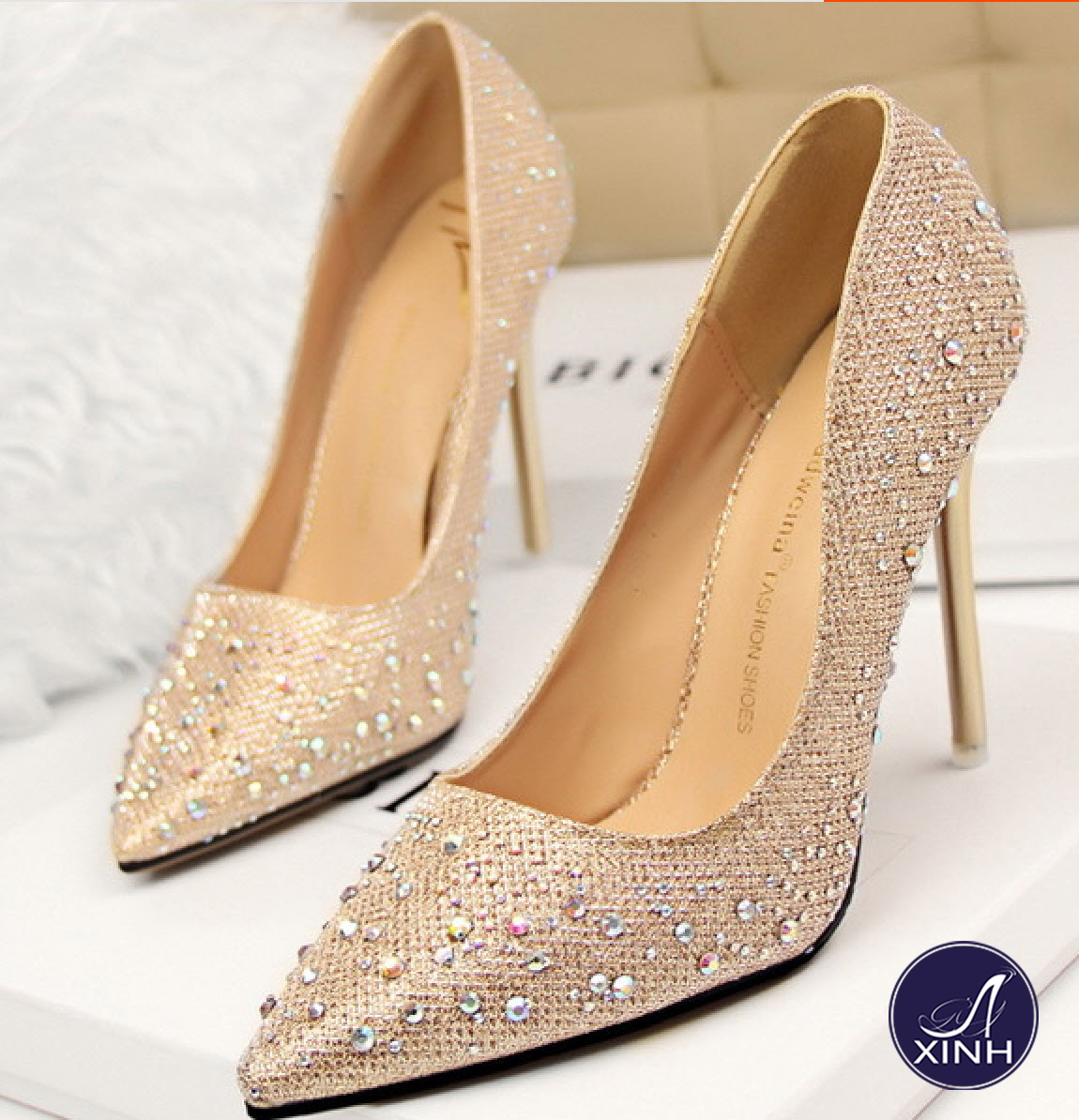 Giày cao gót công chúa ánh kim tuyệt vời